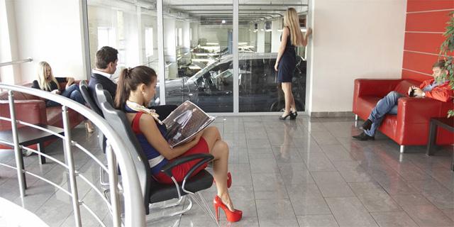 Техцентр Юнион Моторс Медведково - клиентская зона 2-й этаж