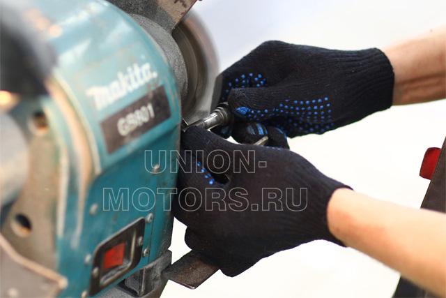 Очистка направляющих тормозного суппорта при замене колодок