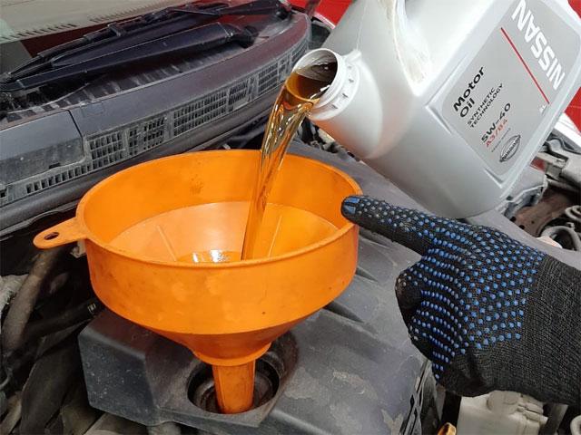 Фотоотчет по замене масла через смс в Юнион Моторс