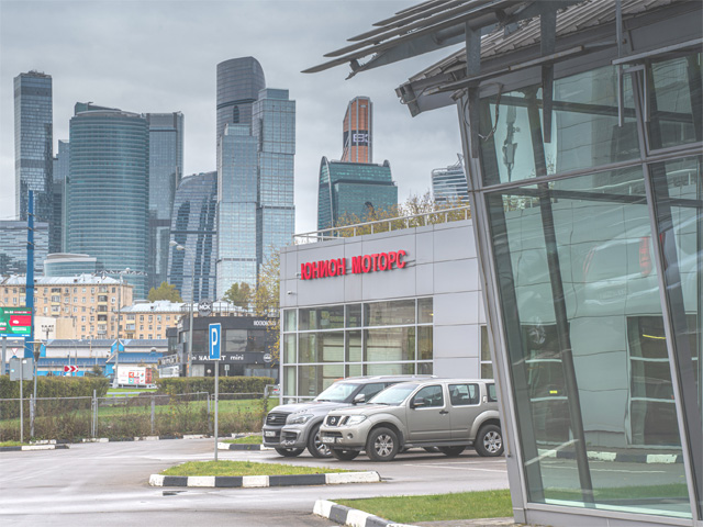 Парковка техцентра Юнион Моторс Бережковская