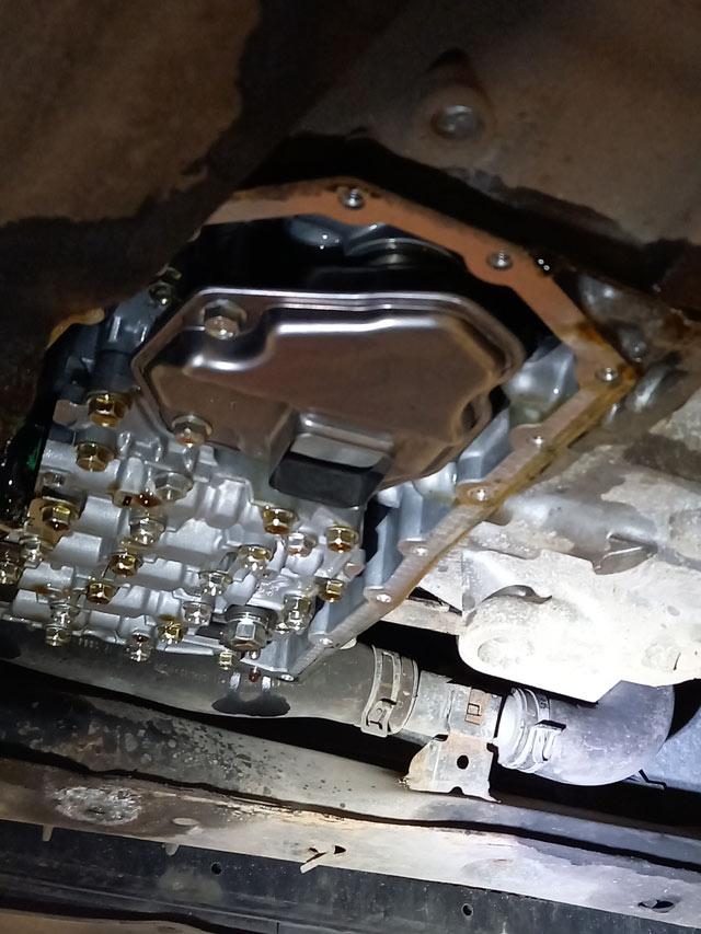 Установлен чистый внутренний сетчатый фильтрдля полной аппаратной замене масла АКПП Nissan и Infiniti