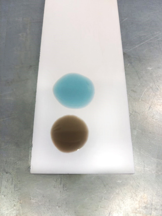 Вытеснение грязного черного масла при полной аппаратной замене маславариатораNissan и Infiniti
